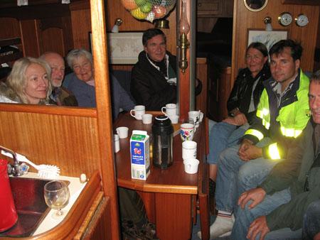 I Sandhamn fick vi besök av Gunvor, Göran, Katja, Chrille och Bengt. Det blev en fika i salongen.