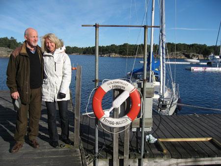 Söndagen bjöd också på solsken. Robban och Ami trivdes.