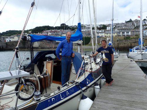 Sören och Tobbe båtpratar.