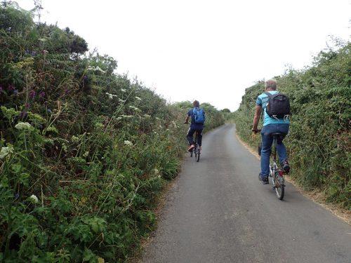 Cykeltur till Land's End. Vegetationen var frodig omkring oss.