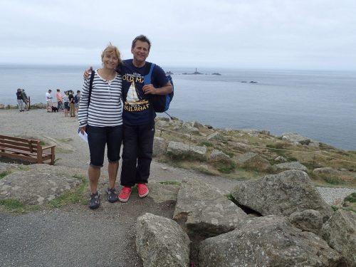 Land's End, Scillyöarna skymtar i horisonten.