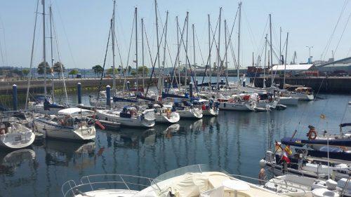 I La Coruna la vi till i hamnen närmast centrum, Real Club Nautico. Trivsam och bra hamn. Och vi är minsta båten i hamnen, trots våra 36 fot (vi är sexa från vänster).