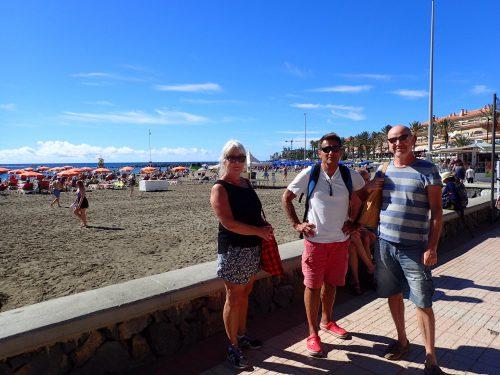 Vi tog bussen till närbelägna Los Christianos och kollade in turiststråken längs playan.