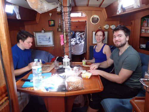 Johnny, Marie och Anders kom med flyget från kalla Sverige och hälsade på oss i båten under julen.