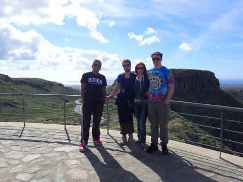 Vi hyrde bil och körde upp i bergen i mitten av ön, och beundrade utsikten från miradorerna.
