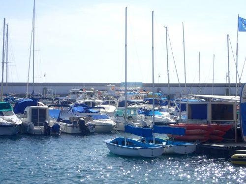 I Puerto Ricos hamn låg den lilla segeljollen vi hyrde för flera år sen när vi var där på charterresa. Det var Evas första segling på Atlanten - jolle tur och retur till Aguineguin.