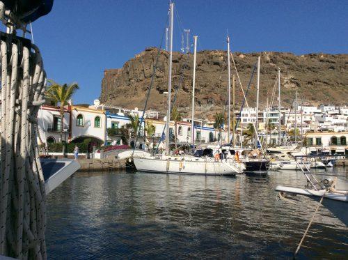 Efter en dryg månad, 12 januari 2017, lämnade vi puttinuttiga Puerto do Mogan för att segla runt Gran Canaria mot storstaden Las Palmas.